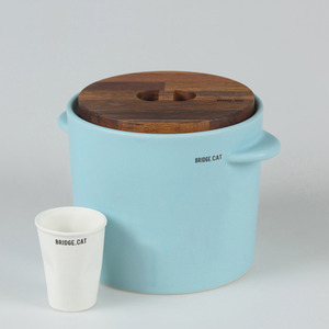 [BRIDGE.CAT] FEED BUCKET - MINT